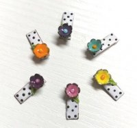 Glass Flower Needle Minder (Small)