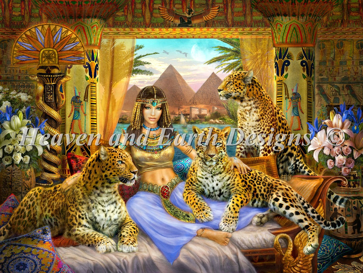 Supersized Egyptian Queen Of The Leopards Max Colors